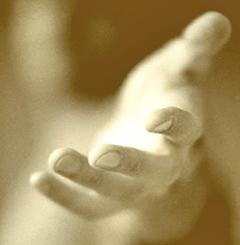 Uitgestoken hand Bewustzijntraining: bewustzijn training in Amsterdam door Sonja Nuyt